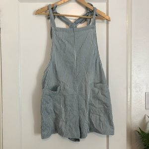 Loose Tie strap Overall Short